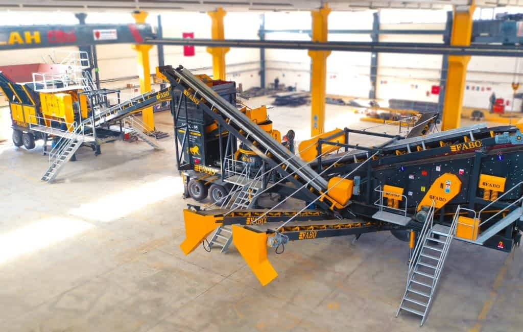 MCK-95 MOBILE HARD STONE CRUSHING AND SCREENING PLANT GROUPE SOGUIREFEL CONAKRY GUINEA